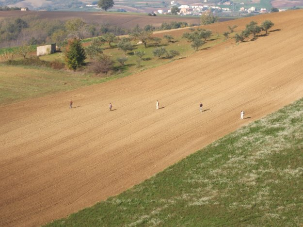 Field survey in the area of San Giovanni in Galdo 2005 (photo J. Pelgrom)